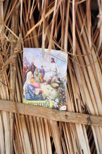 An dem Bild erkennen wir, dass die Dame Christin ist, recht selten in Kambodscha.